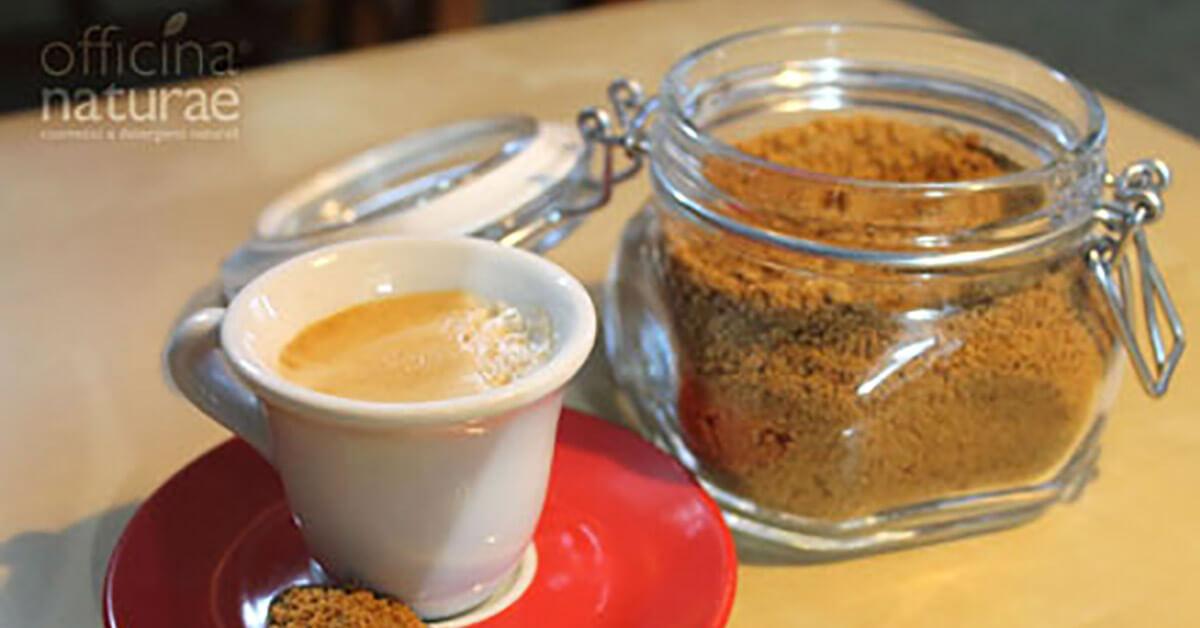 La tazzina di caffè e il flacone